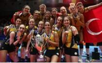 Avrupa şampiyonu VakıfBank'a coşkulu karşılama