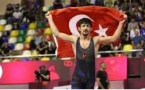 Kerem Kamal, 60 kiloda altın madalya kazandı!